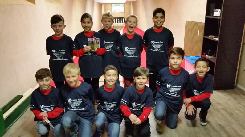 AMP Solutions sponsert die Weihnachtsfeier der E3 Jugend des SVF Herringen